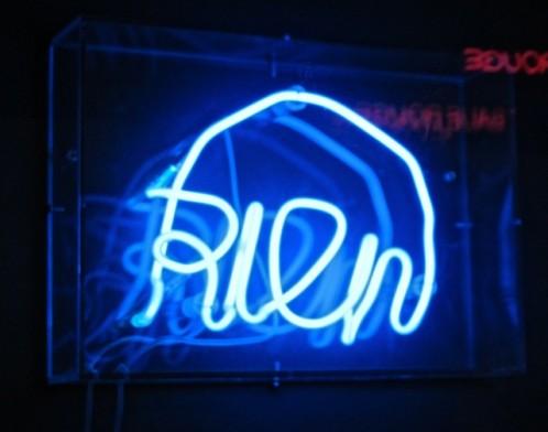 Alberola-rien-neon