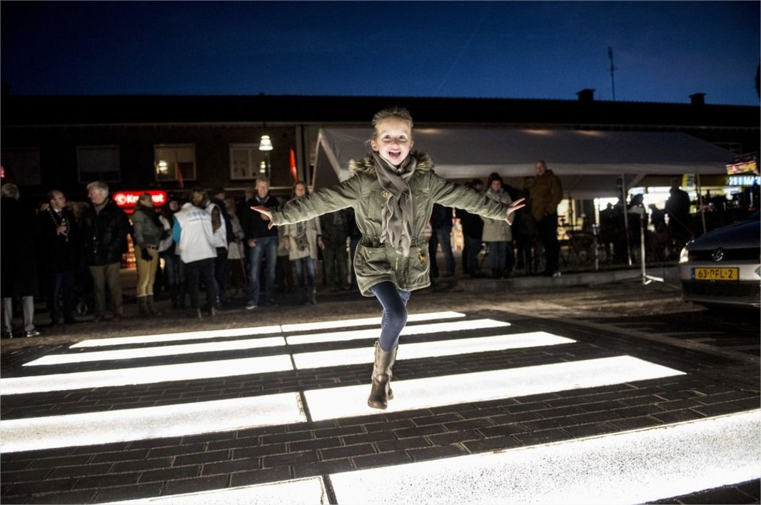 Urban Design NL sur Twitter We have to make more of these #pedestrian #crossing. httpst.co6iSJZsO0Nx - Google Chrome